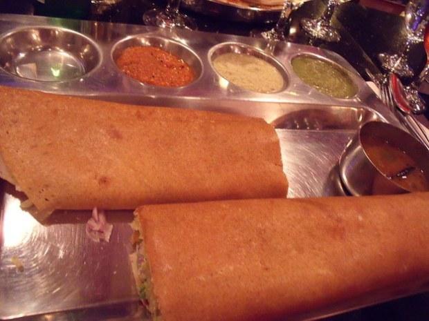 Dosas masakan khas Mumbai, India