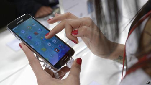HP Android pertama di dunia