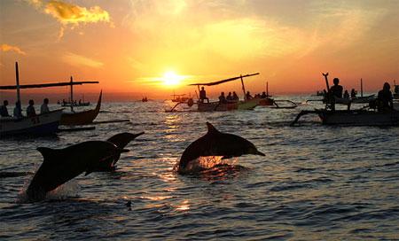 Keindahan pantai Lovina, Bali