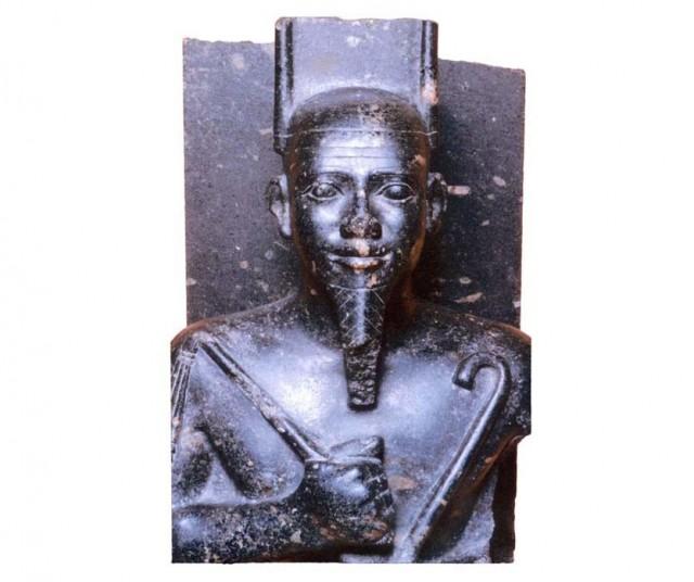 Patung Pharaoh Taharqa