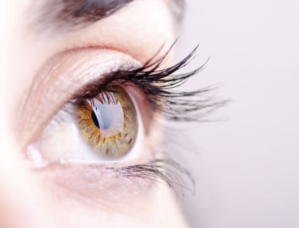 Bahaya menggunakan lensa kontak