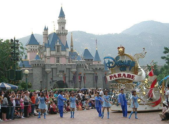 Berlibur Ke Hong Kong Disneyland