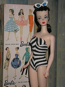 Boneka Barbie Pertama Kali Dibuat