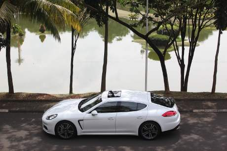 Desain Mobil Porsche Panamera S