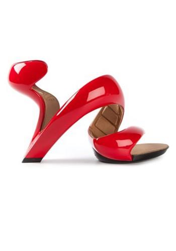 Sepatu Paling Unik dan Cantik