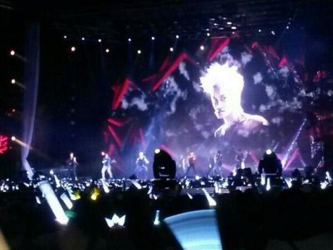 Stage konser EXO yang sangat megah
